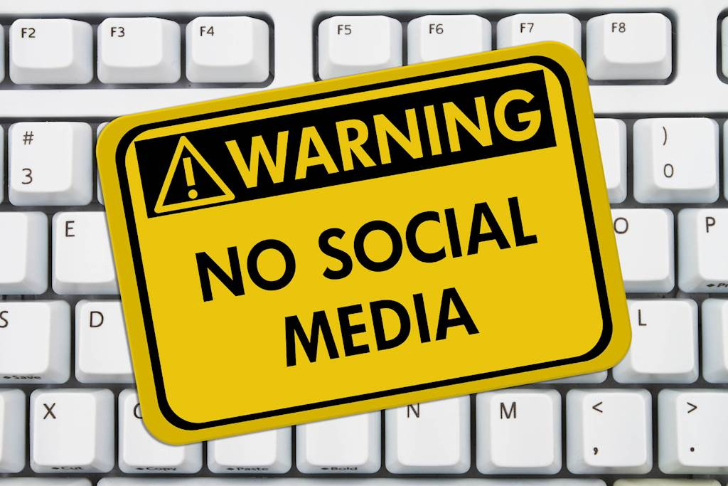 Why Banning Your Staff From Social Media at Work is Ridiculous
