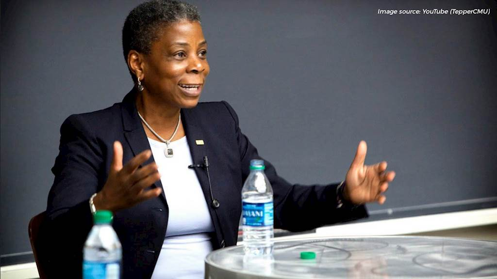 Leadership 101: 4 Things You Can Learn From Xerox CEO Ursula Burns