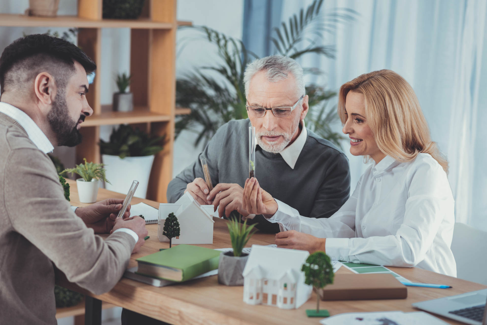 How to Understand and Manage 4 Generations in the Workplace