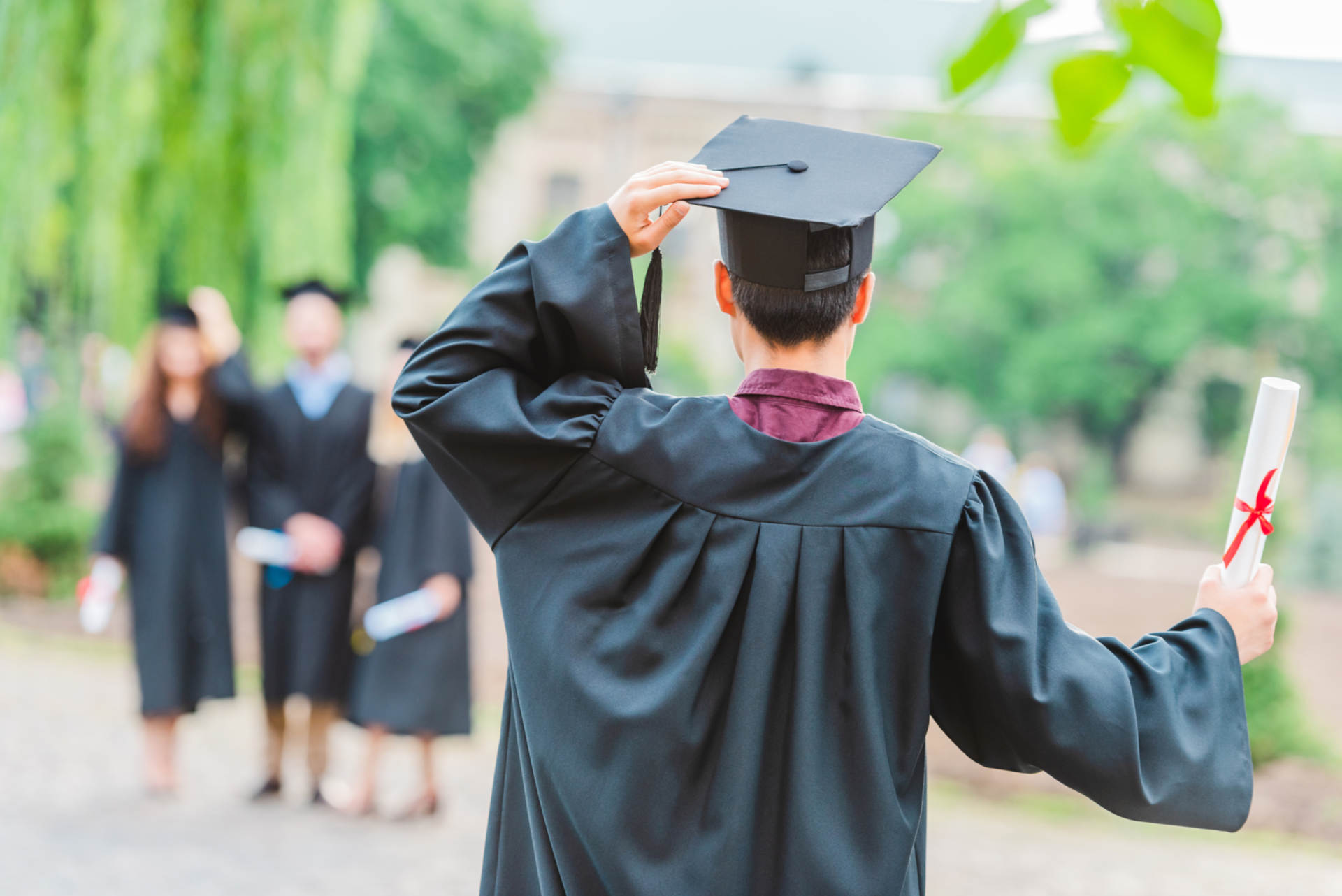 How Earning an MBA Degree Can Help You Be a Better Leader