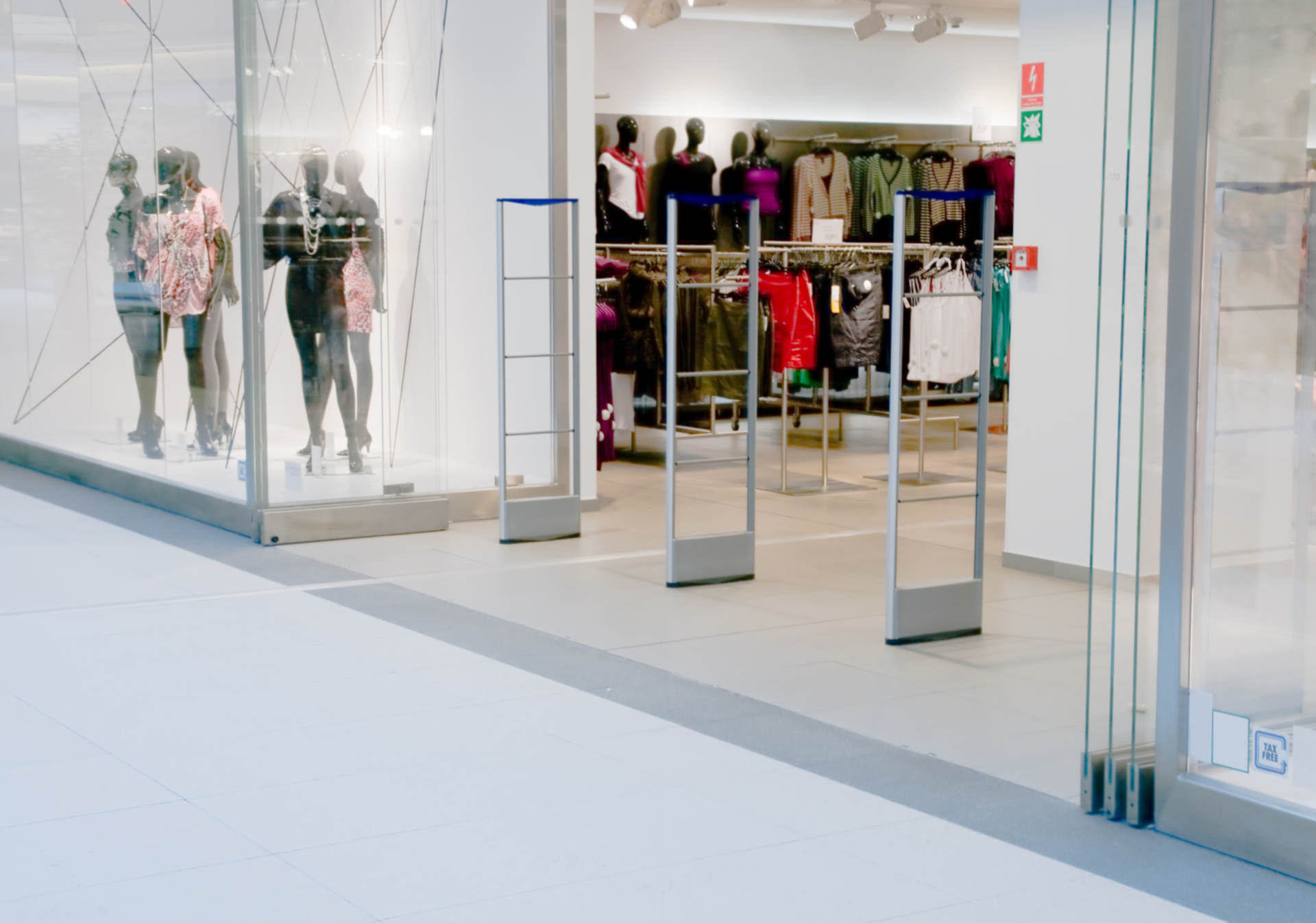 Make More Money with these 6 Visual Merchandising Tips