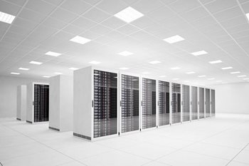 Should Your Business Use a Physical Server or Virtual Machine?