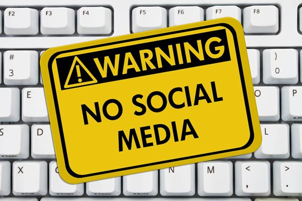 Why Banning Your Staff From Social Media at Work i