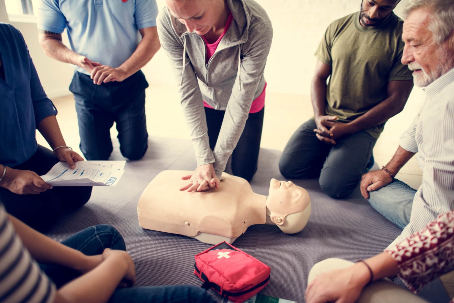 4 Benefits of Training Employees in CPR and First
